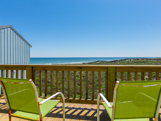 3BR/3BA Pool and Boardwalk to the Beach