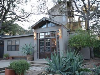 2BR/2.5BA Zilker Deck House!