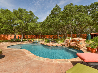 3BR/3BA Lake Travis Retreat with Pool Oasis