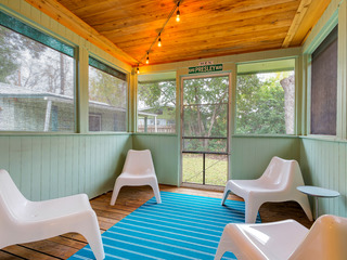 2BR Newly Remodeled, Stylish Rosedale House