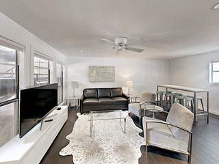 3BR/2BA Plush, Modern Downtown Condo