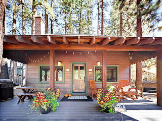 2BR/1.5BA Charming Mountain Cabin w/ Hot Tub, South Lake Tahoe