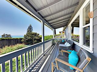 Summerland Ocean-View Cottage
