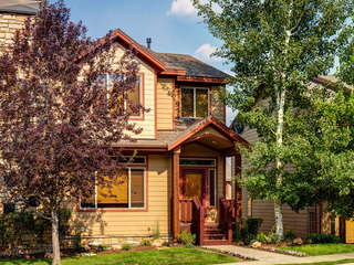 4BR/3.5BA Urban/Alpine Home