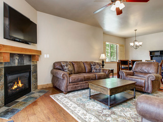 2BR/2BA Spacious Park City Townhouse