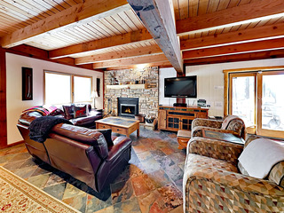 3BR/2BA Heavenly Haven in Tahoe