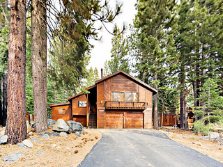 4BR/3BA Tahoe Donner House