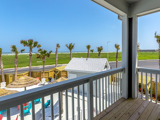 3BR/2.5BA Padre Island Townhome