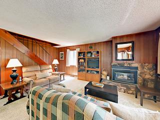 3BR Classic Lake Tahoe Cabin