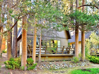 3BR Classic Lake Tahoe Cabin