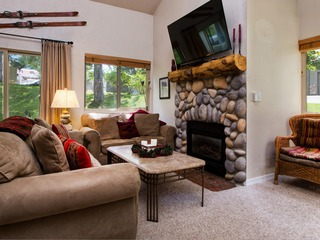 3BR Park City Condo Steps from the Lift