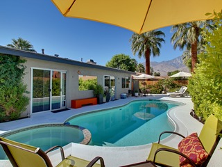 3BR/2BA Pool. Jacuzzi and BBQ/ Patio in SouthEast Palm Springs