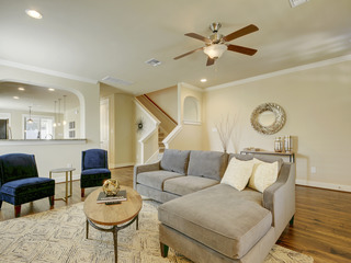 East Austin 4BR Modern Luxury Home, Walk to the boardwalk! - image