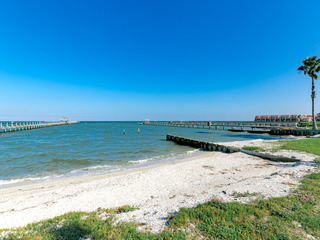 Private Beach, Direct Water Views, 4BR