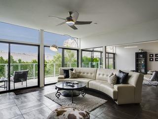 Elegant & Contemporary in Palm Springs