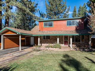 Timeless Tahoe House near Meadow and Lake
