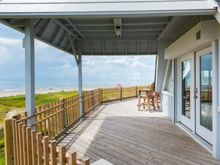 """Surfside"" Beachfront 3BR in Galveston"
