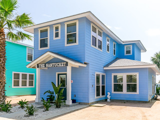 Nantucket Port A House