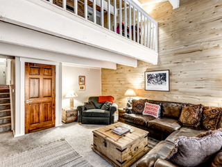 Family Friendly, spacious split level townhouse in Steamboat