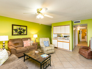 Canal Front Condo, Pool, Minutes to Beach-North Padre Island
