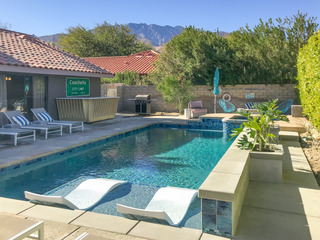 4BR/2BA Vibe!! Pool/Jacuzzi in Palm Springs