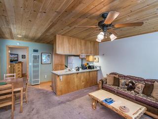 Cub's Den: South Lake Tahoe Condo