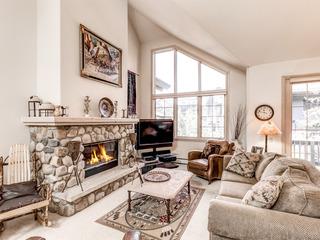 Luxury 4BR w/ Hot Tub & Fireplace, Near Ski Resort