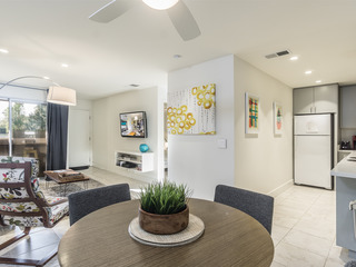 1BR/1BA Chic upstairs Condo on SouthWest Palm Springs Comm Pool+
