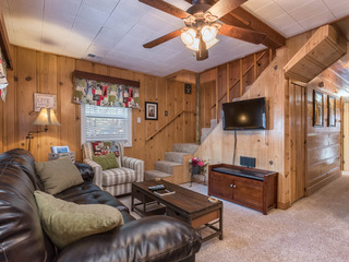 Classic Tahoe Cabin, Private Hot Tub