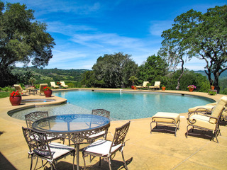 Spacious 6BR Vineyard Estate- Pool & Valley Views