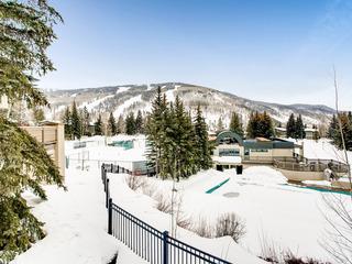 Mountain-View Alpine Retreat