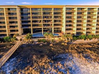 711 Holiday Isle 711 - image