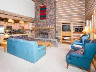Temptation 8 (3BR Silver with Hot Tub) - image