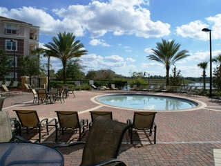 3-Bedroom Condo with Community Pool & Spa