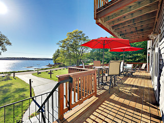 East Boothbay House with Bay Views