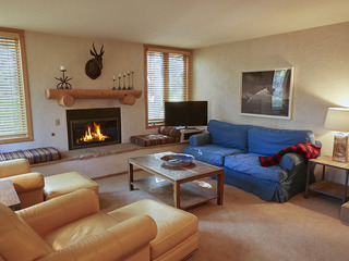 Large 4 BR 3BA Renovated Snowmass Condo