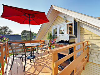 Boothbay Harbor Apartment w/ Deck