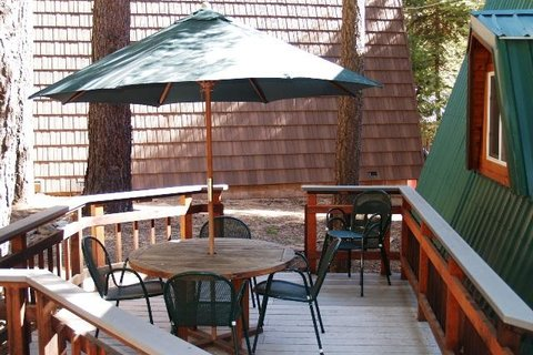 Springsteen Cozy Cabin Vacation Rental in Tahoe City - RedAwning