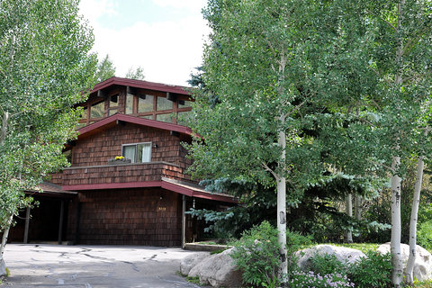 5016 Main Gore Drive Vacation Rental in Vail - RedAwning