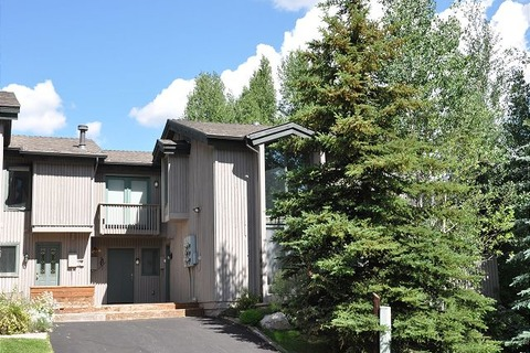 Bighorn #A2 Townhome Vacation Rental in Vail - RedAwning