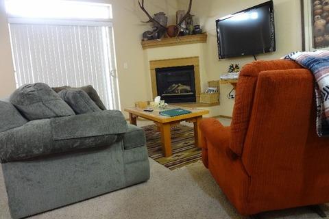Tarn Landing B-5 Vacation Rental in Frisco (CO) - RedAwning