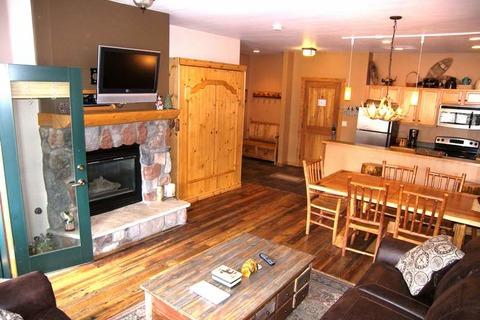 Arapahoe Lodge ALJD Vacation Rental in Keystone - RedAwning