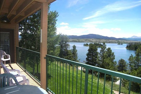 Lake Forest Vacation Rental in Breckenridge - RedAwning