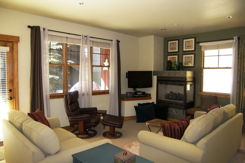 The Cache CUTW Vacation Rental in Copper Mountain - RedAwning