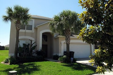 2691 La Isla Court Vacation Rental in Kissimmee - RedAwning