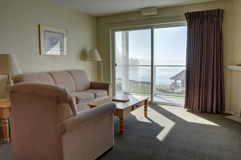 Waters Edge 302 Vacation Rental in Lincoln City - RedAwning