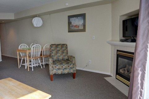 Waters Edge 305 Vacation Rental in Lincoln City - RedAwning