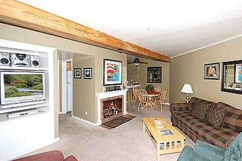 555 Tahoe Keys Blvd., 14 Vacation Rental in Tahoe Keys - RedAwning