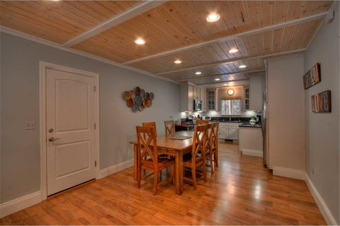 Heavenly Cabin Vacation Rental in City of South Lake Tahoe - RedAwning