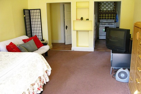 Central Victorian Studio Vacation Rental in San Francisco - RedAwning